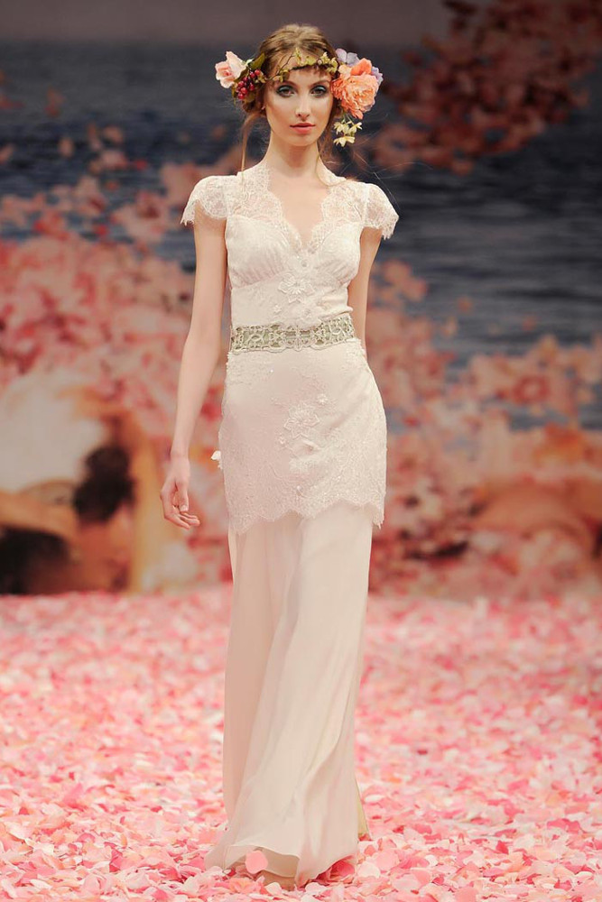 robe-mariee-claire-pettibone-beauty-face