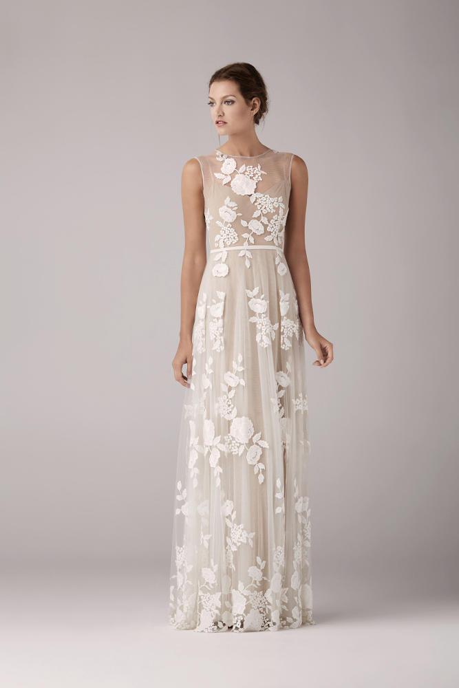 Cette robe est également disponible en boutique avec un fond de robe ...